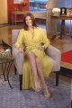 Teri Hatcher waring yellow hot dress