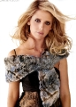 Sarah Michelle Gellar posing in fur dress